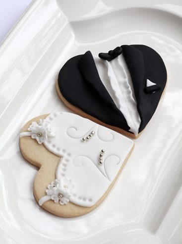 2016 Düğün trendlerinden ilham alan pasta tasarımcıları gelin ve damat adaylarına özel temalı alternatifler sunuyorlar.