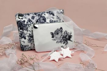 Dünyaca ünlü kozmetik markası AVON , Anneler Günü için hediye seçenekleri sunarak özel günlerinize anlam katıyor.