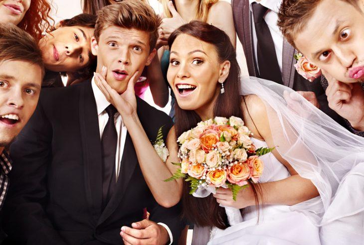 Düğünde misafirlerinizin eğlendiğinden emin olun, konuklarınızda bu gece güzel izler bırakdığınıza emin olun.