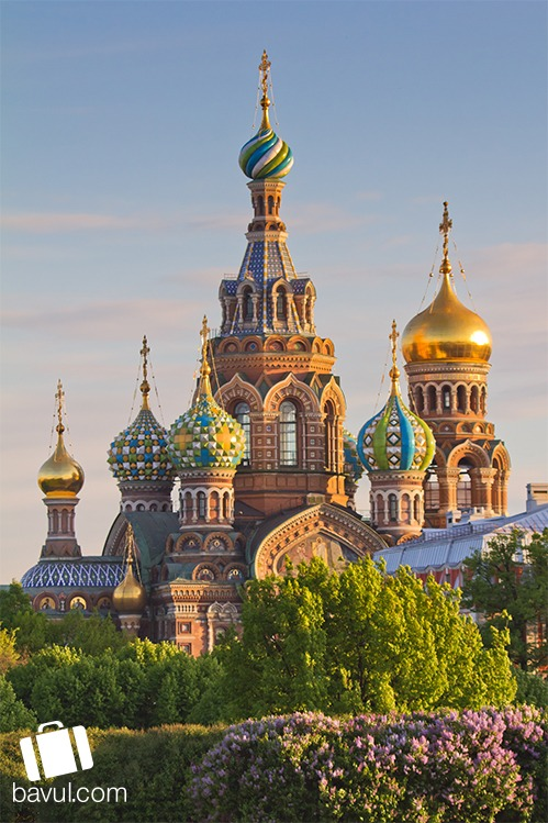 Moskova'da Kızıl Meydanı ve Nazım Hikmet'in mezarına kısa bir ziyaret yapmadan dönmemelisiniz.