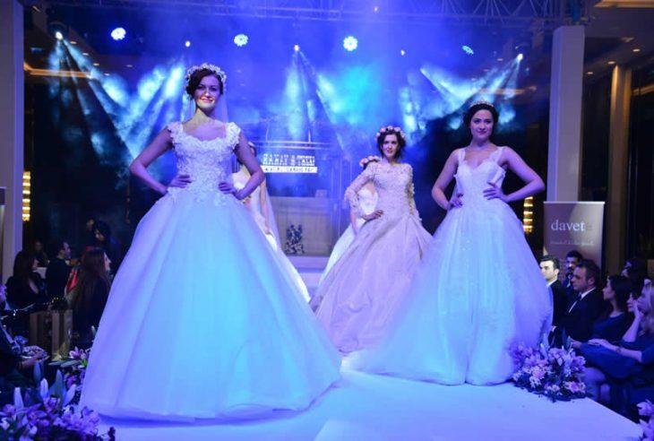 Gelinlik trendleri ve düğün konseptlerinin tanıtıldığı etkinlik, yeni evlenecek çiftlere unutulmaz anlar yaşattı.