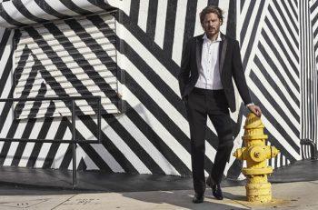 Moda ve erkek giyim sektörünün lider markalarından olan Cacharel, tarz sahibi damatların duruşuyla rafine şıklık ve fark yaratan anlayışı ile düğünleri özel kılıyor.